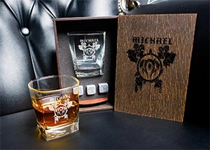 Wow Personalized Whiskey Gift Set