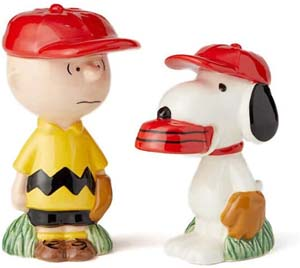 Charlie And Snoopy Baseball Ceramic Salt And Pepper Shakers
